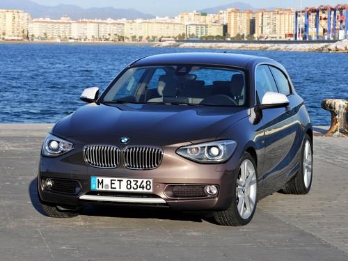Фото автомобиля BMW 1 серия F20/F21, ракурс: 45 цвет: коричневый