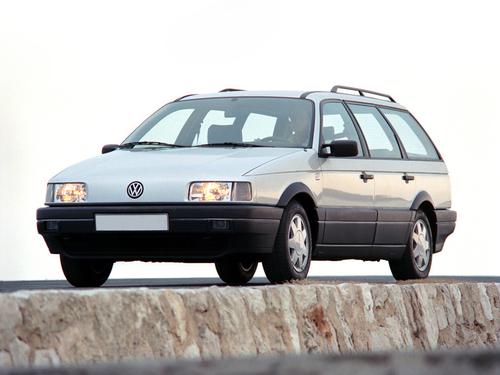 Фото автомобиля Volkswagen Passat B3, ракурс: 45