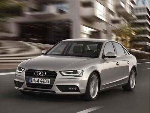 Фото автомобиля Audi A4 B8/8K [рестайлинг], ракурс: 45 цвет: серебряный