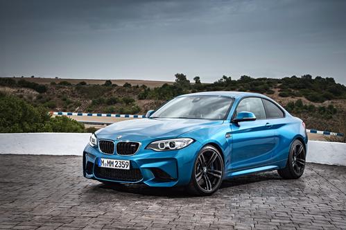 Фото автомобиля BMW M2 F87, ракурс: 45 цвет: голубой