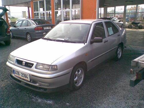 Фото автомобиля SEAT Toledo 1 поколение [рестайлинг], ракурс: 45