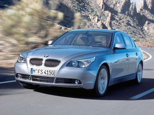 Фото автомобиля BMW 5 серия E60/E61, ракурс: 45 цвет: серебряный