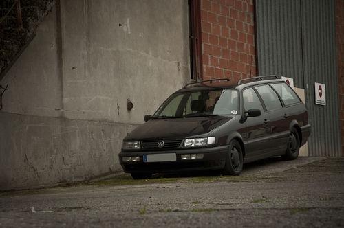 Фото автомобиля Volkswagen Passat B4, ракурс: 45