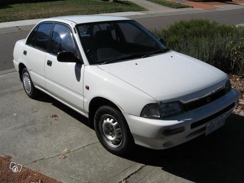 Фото автомобиля Daihatsu Charade 4 поколение, ракурс: 45