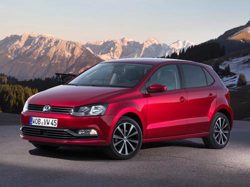 Фото автомобиля Volkswagen Polo 5 поколение [рестайлинг], ракурс: 45 цвет: красный