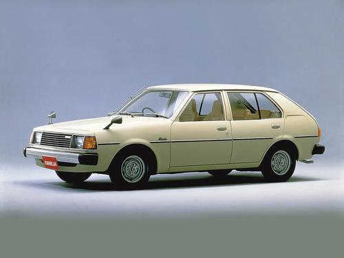 Фото автомобиля Mazda Familia FA [рестайлинг], ракурс: 45