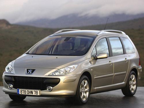 Фото автомобиля Peugeot 307 1 поколение [рестайлинг], ракурс: 45 цвет: серебряный