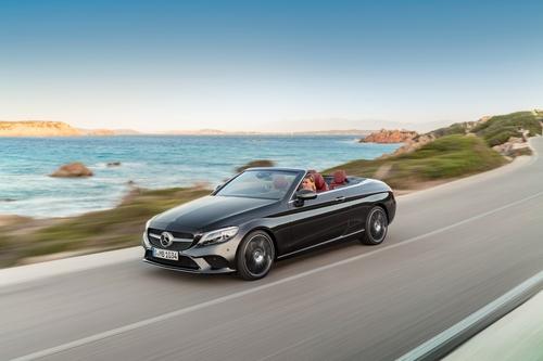Фото автомобиля Mercedes-Benz C-Класс W205/S205/C205 [рестайлинг], ракурс: 45