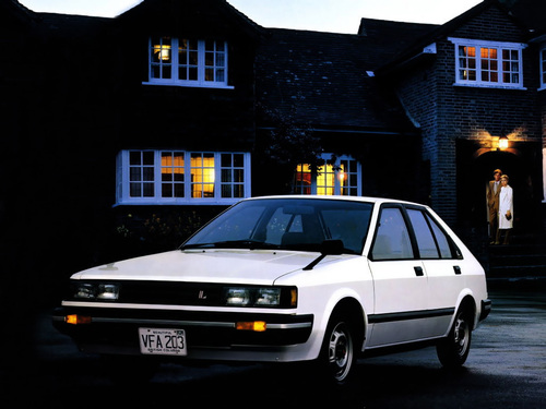 Фото автомобиля Nissan Langley N12, ракурс: 45