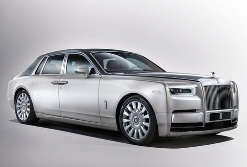 Фото автомобиля Rolls-Royce Phantom 8 поколение, ракурс: 315 цвет: серебряный