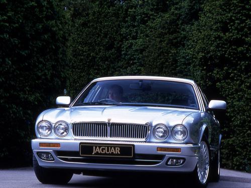 Фото автомобиля Jaguar XJ X300,