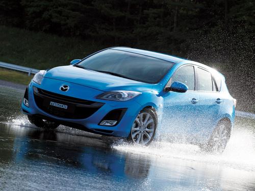 Фото автомобиля Mazda 3 BL, ракурс: 45 цвет: голубой
