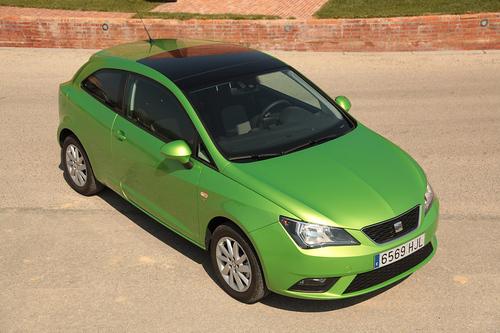 Фото автомобиля SEAT Ibiza 4 поколение [рестайлинг], ракурс: 315 цвет: зеленый