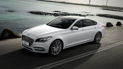 Фото автомобиля Genesis G80 1 поколение, ракурс: 45 цвет: белый