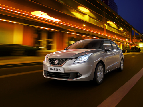 Фото автомобиля Suzuki Baleno 2 поколение, ракурс: 45 цвет: серебряный