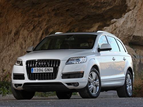 Фото автомобиля Audi Q7 4L [рестайлинг], ракурс: 45 цвет: белый