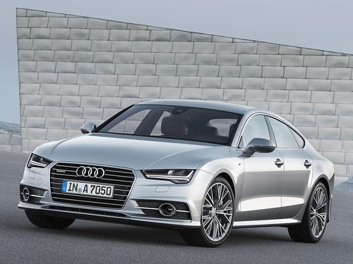 Фото автомобиля Audi A7 4G [рестайлинг], ракурс: 45 цвет: серебряный