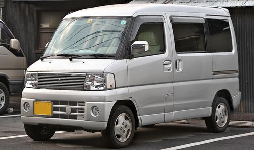 Фото автомобиля Mitsubishi Town BOX 1 поколение, ракурс: 45