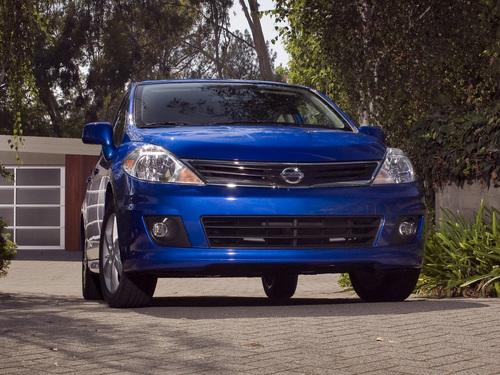 Фото автомобиля Nissan Versa 1 поколение [рестайлинг], ракурс: 315