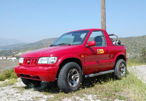 Фото автомобиля Kia Sportage 1 поколение, ракурс: 45