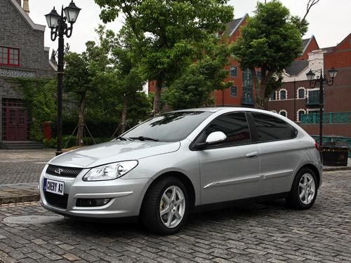 Фото автомобиля Chery M11 1 поколение, ракурс: 45 цвет: серебряный