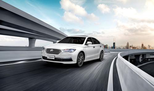 Фото автомобиля Lifan Murman 1 поколение, ракурс: 45 цвет: белый