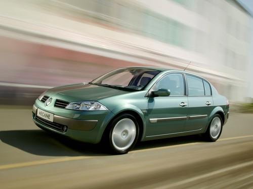 Фото автомобиля Renault Megane 2 поколение, ракурс: 45
