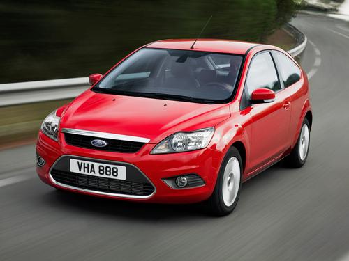 Фото автомобиля Ford Focus 2 поколение [рестайлинг], ракурс: 45 цвет: красный