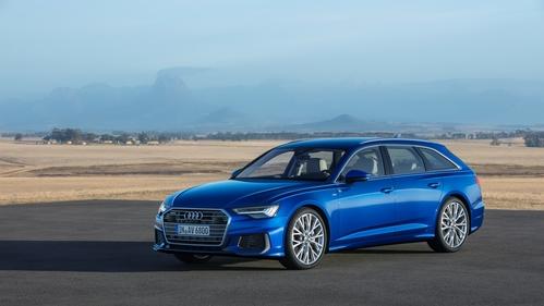 Фото автомобиля Audi A6 C8, ракурс: 45 цвет: синий