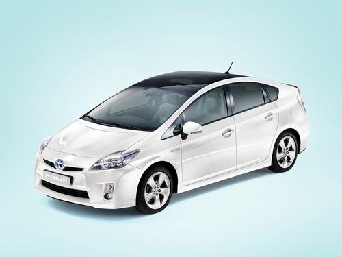 Фото автомобиля Toyota Prius 3 поколение, ракурс: 45