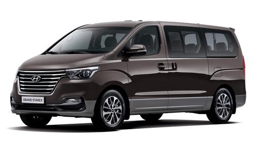Фото автомобиля Hyundai H-1 Grand Starex [рестайлинг], ракурс: 45 цвет: коричневый