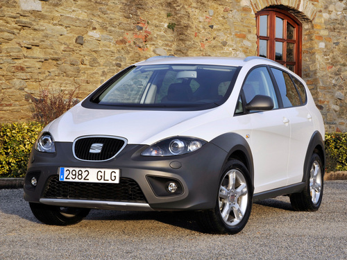 Фото автомобиля SEAT Altea 1 поколение [рестайлинг], ракурс: 45 цвет: белый
