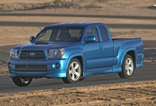 Фото автомобиля Toyota Tacoma 2 поколение, ракурс: 45