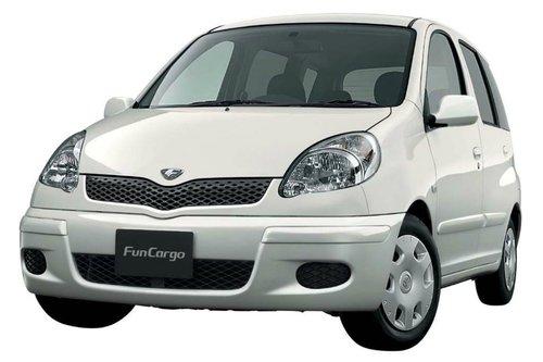 Фото автомобиля Toyota Fun Cargo 1 поколение [рестайлинг], ракурс: 45
