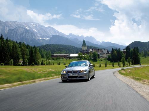 Фото автомобиля Alpina B3 E90/91/92/93, ракурс: 45 цвет: серебряный