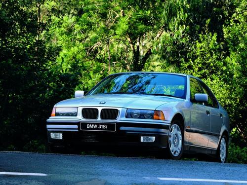 Фото автомобиля BMW 3 серия E36, ракурс: 45 цвет: серебряный