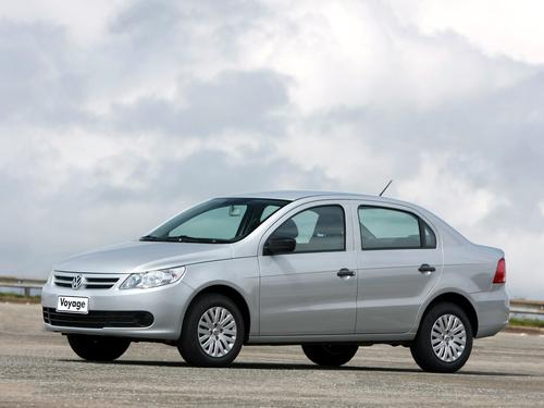 Фото автомобиля Volkswagen Voyage 2 поколение, ракурс: 45