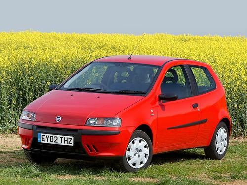 Фото автомобиля Fiat Punto 2 поколение, ракурс: 45