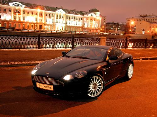 Фото автомобиля Aston Martin DB9 1 поколение, ракурс: 45