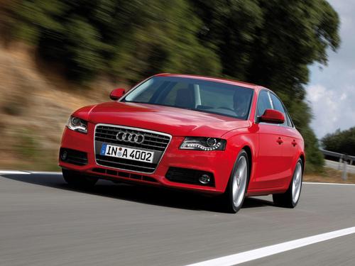 Фото автомобиля Audi A4 B8/8K, ракурс: 45 цвет: красный