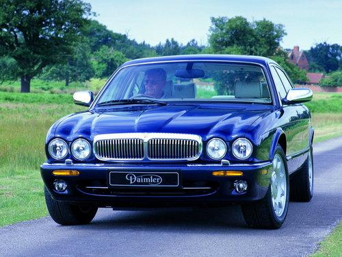 Фото автомобиля Daimler V8 X308, ракурс: 45
