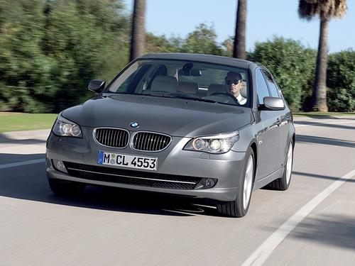 Фото автомобиля BMW 5 серия E60/E61 [рестайлинг], ракурс: 45 цвет: серый