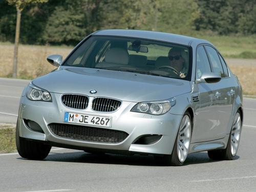 Фото автомобиля BMW M5 E60/E61, ракурс: 45