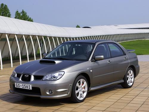 Фото автомобиля Subaru Impreza 2 поколение [2-й рестайлинг], ракурс: 45 цвет: серебряный
