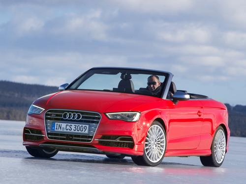 Фото автомобиля Audi S3 8V, ракурс: 45