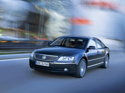 Фото автомобиля Volkswagen Phaeton 1 поколение, ракурс: 45