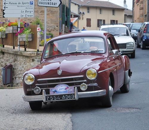 Фото автомобиля Renault Fregate 1 поколение, ракурс: 45
