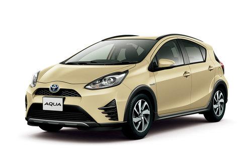 Фото автомобиля Toyota Aqua 1 поколение [2-й рестайлинг], ракурс: 45