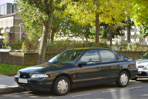 Фото автомобиля Ford Mondeo 1 поколение, ракурс: 45