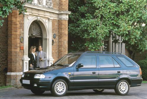 Фото автомобиля Skoda Felicia 1 поколение, ракурс: 45